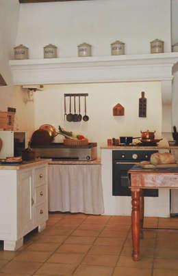 Cozinha: Cozinhas rústicas por Stoc Casa Interiores