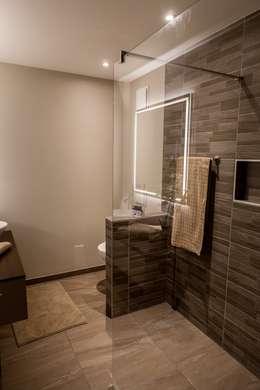 Salle de bains : Salle de bains de style  par CSInterieur
