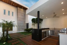 Jardines de estilo moderno por Grupo Arsciniest