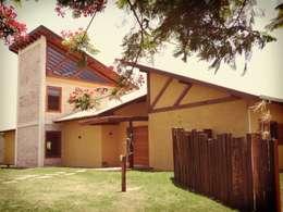 Maisons de style de style Rustique par Zani.arquitetura
