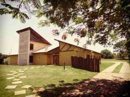 Casas de estilo rústico por Zani.arquitetura