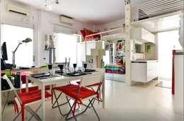""" Art of mini loft "": Sala da pranzo in stile in stile Minimalista di darchstudio"