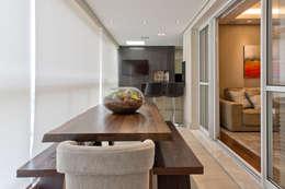 Residência Água Verde L&O: Terraços  por VL Arquitetura e Interiores