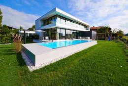 Projekty, nowoczesne Domy zaprojektowane przez ZHAC / Zweering Helmus Architektur+Consulting