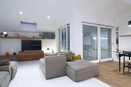 modern Living room by ZETAE Studio