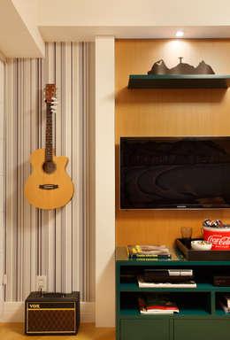Dormitorios de estilo  por APM INTERIORES