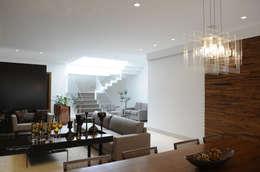 A/ZERO Arquitetura: modern tarz Oturma Odası
