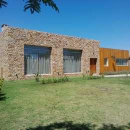 Lagos del Golf,Nordelta,Tigre: Casas de estilo moderno por APH