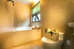 modern Bathroom by 한글주택(주)