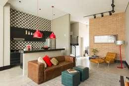 Samaia Arquitetura+Design: modern tarz Oturma Odası