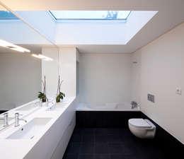 حمام تنفيذ Rui Grazina Architecture + Design