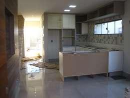 Кухни в . Автор – Tony Santos Arquitetura
