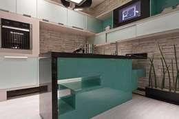 Cocinas de estilo industrial por Jacqueline Fumagalli Arquitetura & Design
