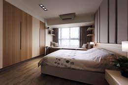 modern Bedroom by KD Panels