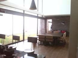 moderne Eetkamer door ORTHER Architects