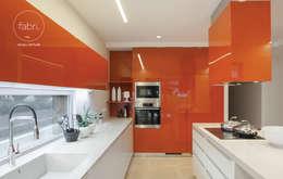 Cocinas de estilo minimalista por FABRI