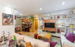 LIVING: Salas de estar ecléticas por GRUPO AE - ARQUITETURA+ENGENHARIA