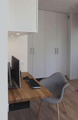 Mieszkanie w Warszawie w dzielnicy Kabaty: styl , w kategorii Domowe biuro i gabinet zaprojektowany przez Schemat