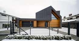 Casas de estilo moderno por BECZAK / BECZAK / ARCHITEKCI