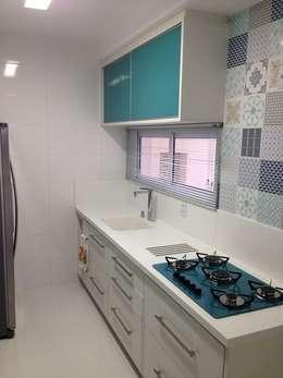 modern Kitchen by PILOTTIZ ARQUITETURA E DESIGN