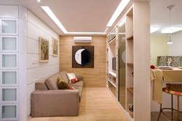 Projetos: Salas de estar modernas por tfarqdesign