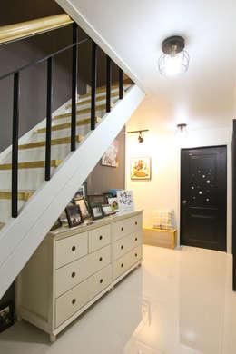 Corridor & hallway by 한글주택(주)