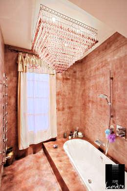 modern Bathroom by Jeux de Lumière