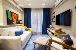 Livings de estilo ecléctico por Estúdio HL - Arquitetura e Interiores