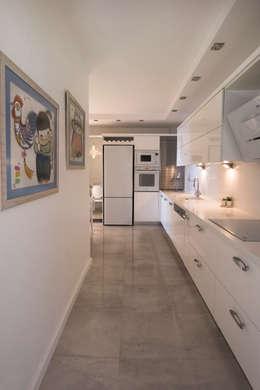 BAGO MİMARLIK  – EBG Evi: modern tarz Mutfak