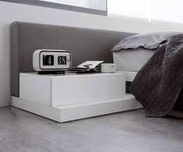 modern Bedroom by Livarea