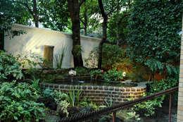 千代田区・S邸: 有限会社イエナランドスケープが手掛けた庭です。