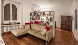 Salas de estilo minimalista por M N A - Matteo Negrin