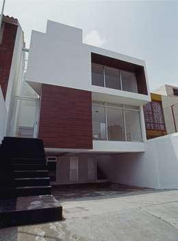 CaSA ASBUN Finished Work: Casas de estilo moderno por CoRREA Arquitectos
