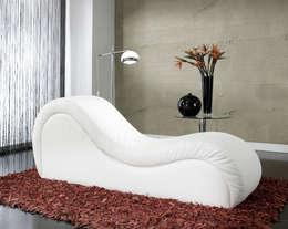 modern Living room by Tantra Stuhl