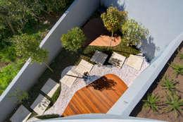 Jardines de estilo clásico por GRAU.ZERO Arquitectura