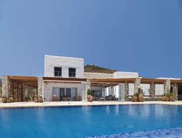 Casas de estilo mediterraneo por CARLOS EDUARDO DE LACERDA ARQUITETURA E PLANEJAMENTO LTDA.