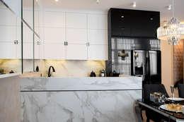 Kuchnia modern glamour.: styl , w kategorii Kuchnia zaprojektowany przez CAROLINE'S DESIGN