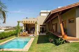 Casas de estilo moderno por Flavio Vila Nova Arquitetura