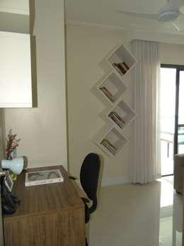 Estudios y oficinas de estilo moderno por 2nsarq