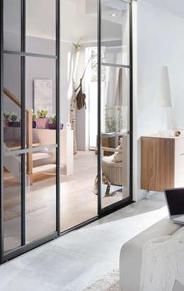 modern Living room by Elfa Deutschland GmbH