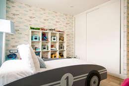 Chambre d'enfant de style de style Moderne par MODULAR HOME