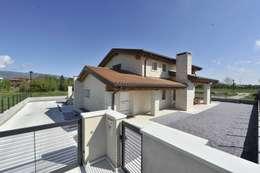 Architetti Baggio: klasik tarz tarz Evler