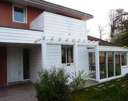 Maison contemporaine: Maisons de style de style Moderne par Atelier JP Bouvee