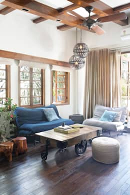 Residential - Juhu: rustic Living room by Nitido Interior design
