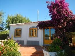 Maisons de style de style Rustique par RenoBuild Algarve
