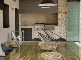 Casas de estilo moderno por Bornelo Interior Design