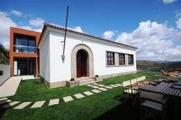 Projekty, minimalistyczne Domy zaprojektowane przez MH PROJECT