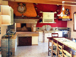 rustic Kitchen by SALM Caminetti