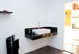 modern Bathroom by MODULAR HOME