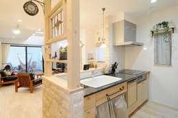 フランスの田舎風しっくいの家: 遊友建築工房が手掛けたキッチンです。